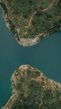 Lake in between two landmasses